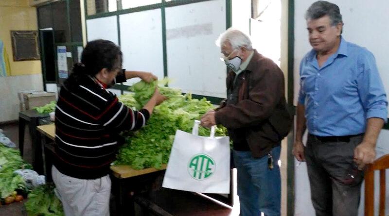 ATE Corrientes continúa con la exitosa venta de bolsones saludables de frutas y verduras precios justos